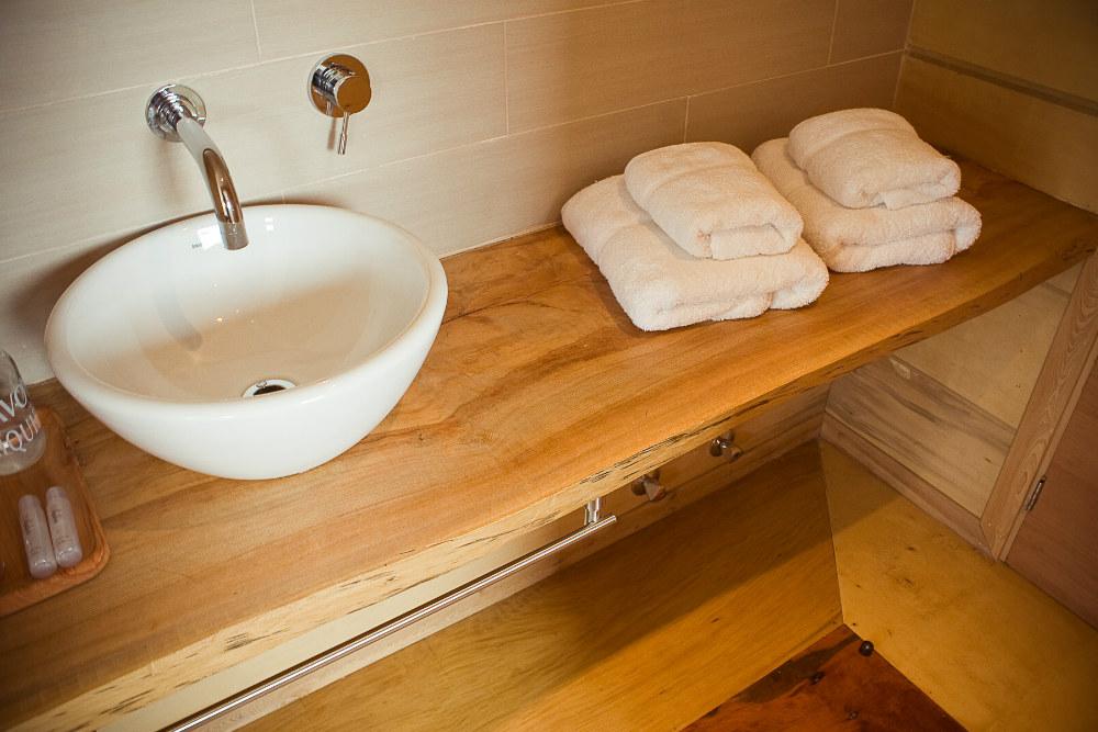 Toallas y accesorios de baño para Hotel Palafito en Chiloé